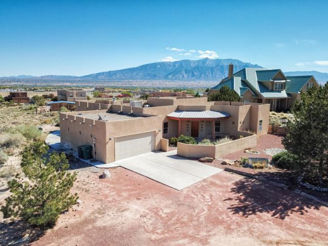 3114 Demavend Road NE, Rio Rancho, NM 87144 (MLS #930966) :: The Bigelow Team / Realty One of New Mexico