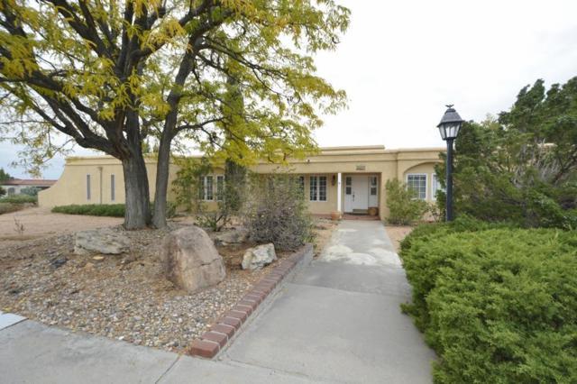 1133 Santa Ana Avenue SE, Albuquerque, NM 87123 (MLS #932037) :: The Bigelow Team / Realty One of New Mexico
