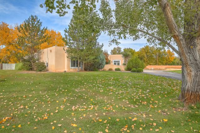 7539 Camino Del Rio NW, Albuquerque, NM 87114 (MLS #932216) :: The Bigelow Team / Realty One of New Mexico