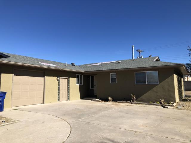 2108 Glorieta Street NE, Albuquerque, NM 87112 (MLS #932593) :: Your Casa Team