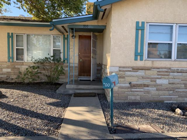 700 Candelaria Road NW, Albuquerque, NM 87107 (MLS #932620) :: The Stratmoen & Mesch Team