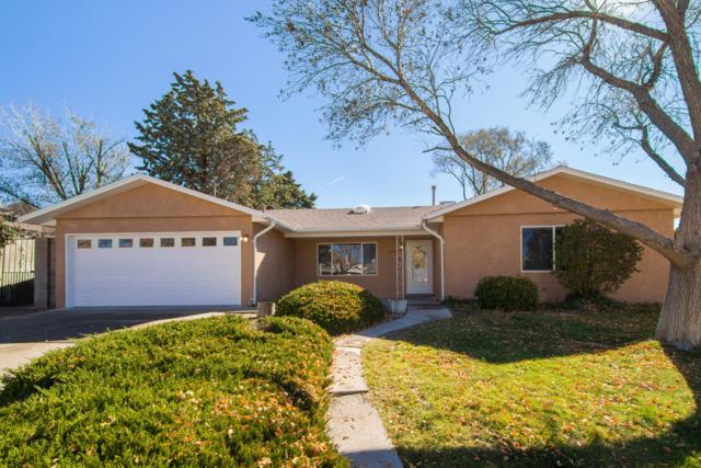 4526 Oahu Drive NE, Albuquerque, NM 87111 (MLS #932709) :: The Bigelow Team / Realty One of New Mexico