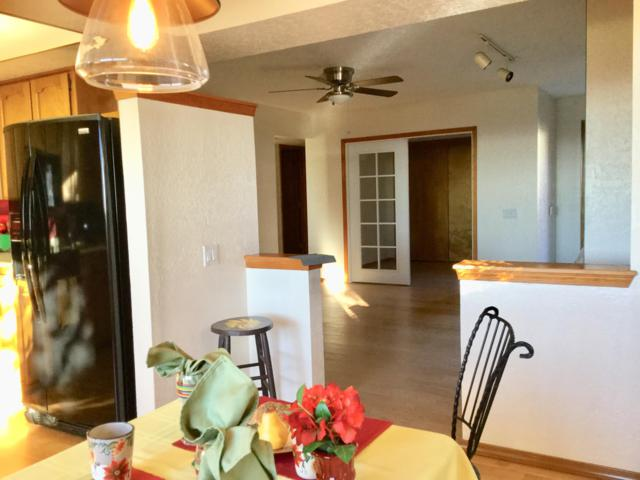 5135 Glenwood Pointe Lane NE, Albuquerque, NM 87111 (MLS #932797) :: The Bigelow Team / Realty One of New Mexico