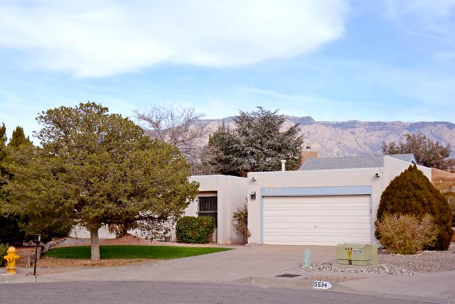 5538 Compadre Court NE, Albuquerque, NM 87111 (MLS #932871) :: The Bigelow Team / Realty One of New Mexico