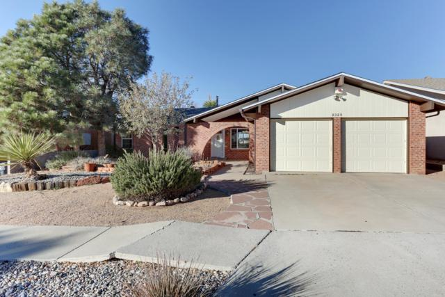 8329 Cherry Hills Road NE, Albuquerque, NM 87111 (MLS #933007) :: The Bigelow Team / Realty One of New Mexico