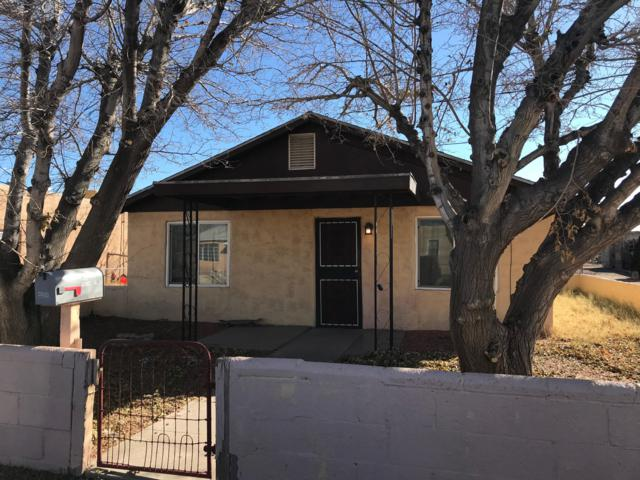 4608 Carlton Street NW, Albuquerque, NM 87107 (MLS #933172) :: Campbell & Campbell Real Estate Services