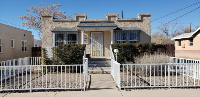 1015 5Th Street NW, Albuquerque, NM 87102 (MLS #933177) :: Campbell & Campbell Real Estate Services