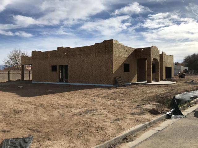 211 Calle Consuelo NE, Los Lunas, NM 87031 (MLS #933387) :: The Bigelow Team / Realty One of New Mexico