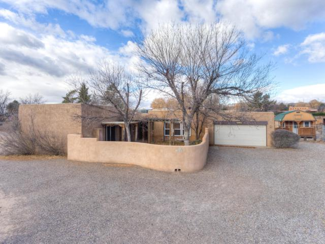 1039 Meadowlark Lane, Corrales, NM 87048 (MLS #933465) :: Campbell & Campbell Real Estate Services