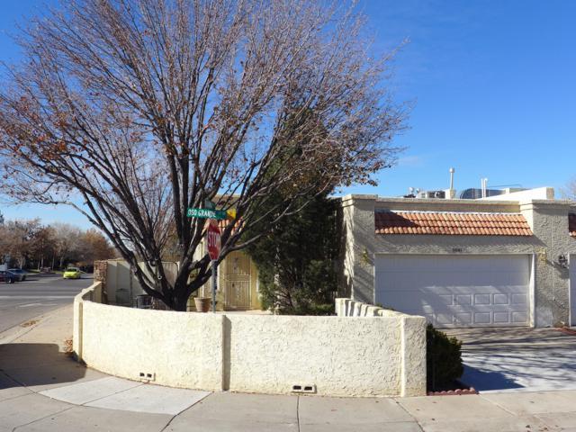 5001 Oso Grande Court NE, Albuquerque, NM 87111 (MLS #933484) :: Campbell & Campbell Real Estate Services