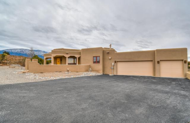 36 Anasazi Trails Loop, Placitas, NM 87043 (MLS #933550) :: Campbell & Campbell Real Estate Services
