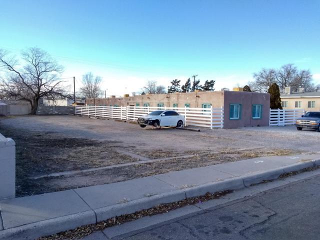 525 Mesilla Street SE, Albuquerque, NM 87108 (MLS #933586) :: The Stratmoen & Mesch Team