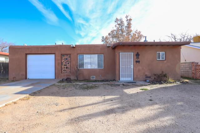 220 General Bradley Street NE, Albuquerque, NM 87123 (MLS #933823) :: The Stratmoen & Mesch Team