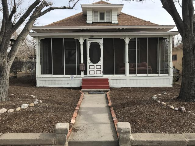 210 High Street SE, Albuquerque, NM 87102 (MLS #933855) :: The Stratmoen & Mesch Team