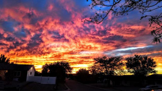 522 Apache Loop SW, Rio Rancho, NM 87124 (MLS #933968) :: The Stratmoen & Mesch Team