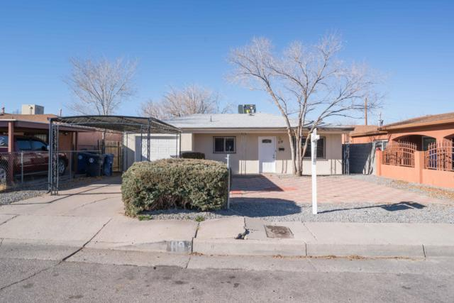119 Espejo Street NE, Albuquerque, NM 87123 (MLS #934093) :: The Stratmoen & Mesch Team