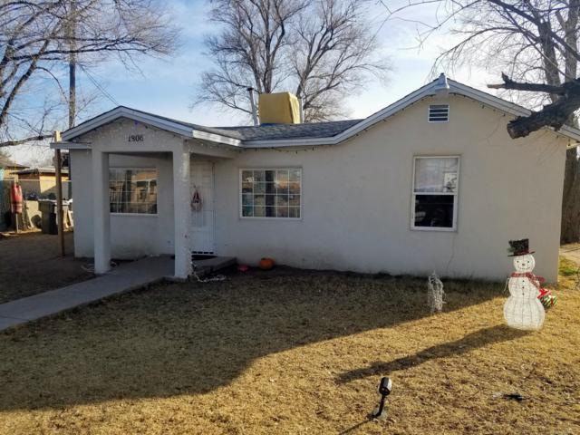 1806 Valley Road SW, Albuquerque, NM 87105 (MLS #934541) :: The Stratmoen & Mesch Team