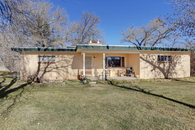929 Ranchitos Road NW, Los Ranchos, NM 87114 (MLS #934699) :: The Bigelow Team / Realty One of New Mexico