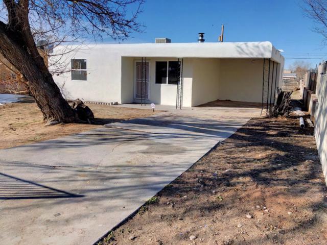 427 Utah Street NE, Albuquerque, NM 87108 (MLS #935071) :: The Stratmoen & Mesch Team