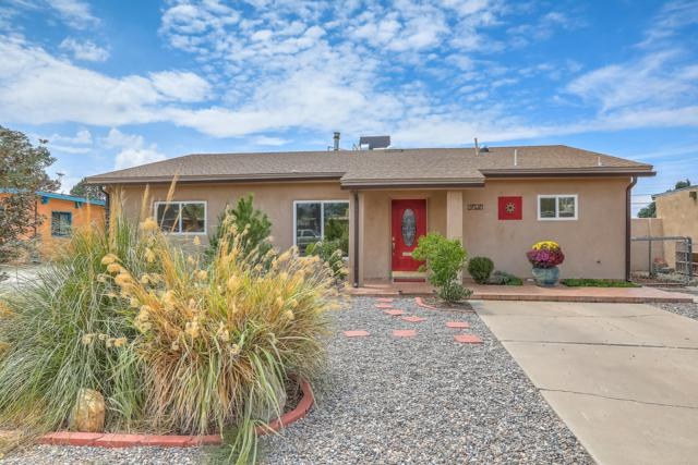 2625 Indiana Street NE, Albuquerque, NM 87110 (MLS #935106) :: Campbell & Campbell Real Estate Services