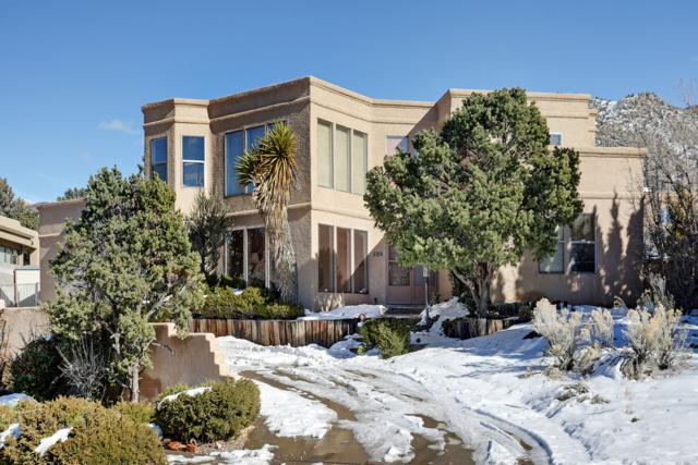 5014 Glenwood Hills Drive NE, Albuquerque, NM 87111 (MLS #935134) :: The Bigelow Team / Realty One of New Mexico