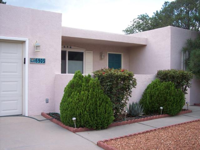 6905 Sandalwood Place NE, Albuquerque, NM 87111 (MLS #935263) :: The Bigelow Team / Realty One of New Mexico