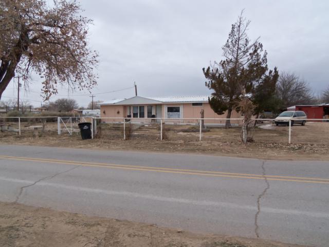 3927 Miller Road SW, Los Lunas, NM 87031 (MLS #935287) :: The Stratmoen & Mesch Team