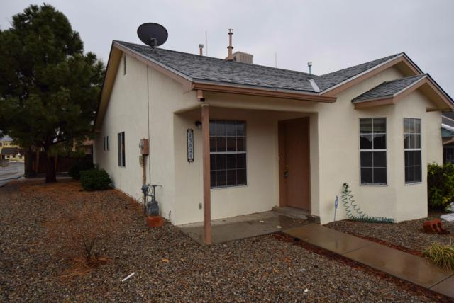 13824 Brush Place NE, Albuquerque, NM 87123 (MLS #935314) :: The Bigelow Team / Realty One of New Mexico