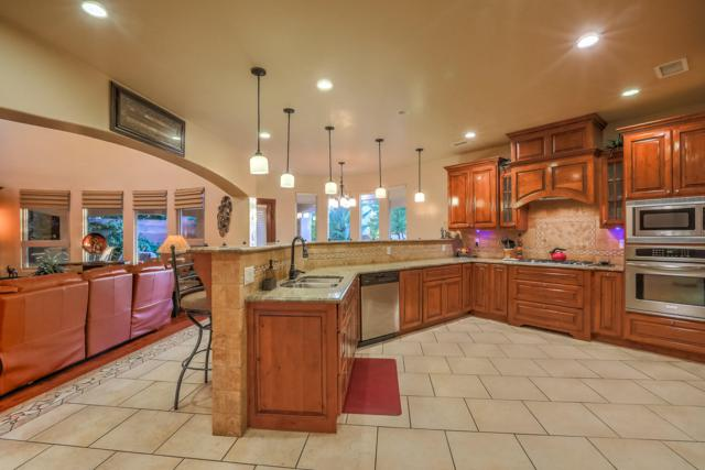 7704 Florence Avenue NE, Albuquerque, NM 87122 (MLS #935320) :: The Bigelow Team / Realty One of New Mexico