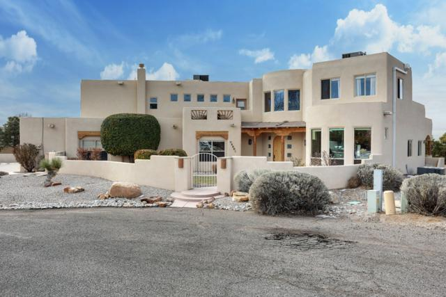 8501 San Diego Court NE, Albuquerque, NM 87122 (MLS #935411) :: Campbell & Campbell Real Estate Services