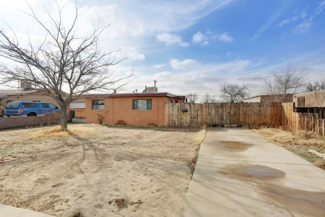 2837 Solano Drive NE, Albuquerque, NM 87110 (MLS #935879) :: Campbell & Campbell Real Estate Services