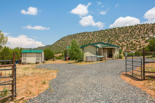 993 Us Hwy 84, Las Vegas, NM 87701 (MLS #935936) :: The Bigelow Team / Realty One of New Mexico