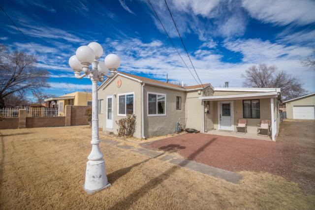 831 Garden Road SW, Albuquerque, NM 87105 (MLS #935942) :: The Bigelow Team / Realty One of New Mexico