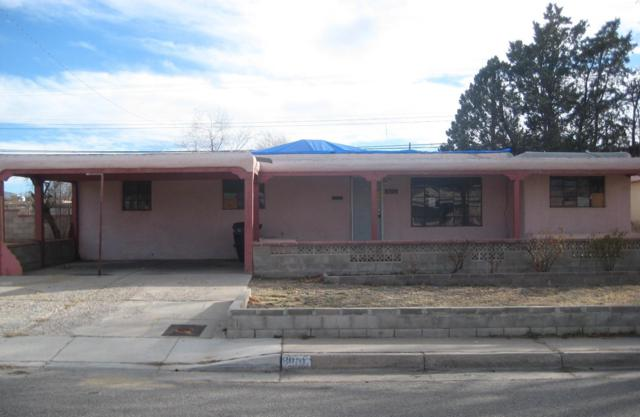 8010 Robin Avenue NE, Albuquerque, NM 87110 (MLS #936572) :: Campbell & Campbell Real Estate Services