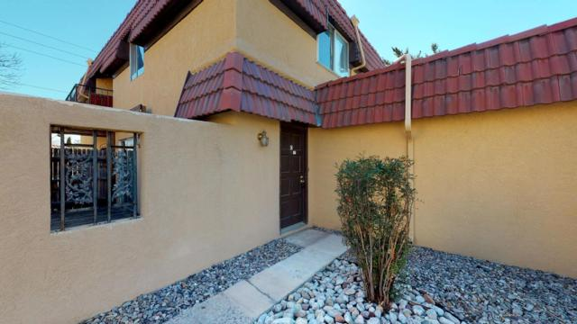 5213 Camino Del Sol NE Apt C, Albuquerque, NM 87111 (MLS #936771) :: The Bigelow Team / Realty One of New Mexico