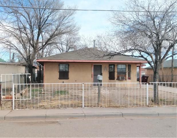302 3Rd Street, Belen, NM 87002 (MLS #937127) :: Silesha & Company