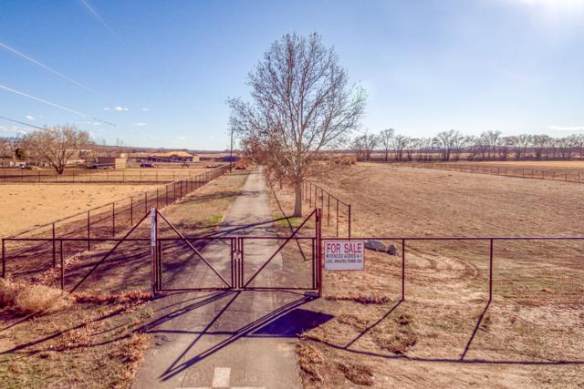 306 Lagunitas Lane SW, Albuquerque, NM 87105 (MLS #937199) :: Campbell & Campbell Real Estate Services