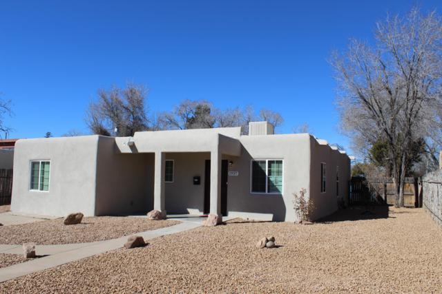 1937 Otowi Drive, Santa Fe, NM 87505 (MLS #937210) :: Silesha & Company