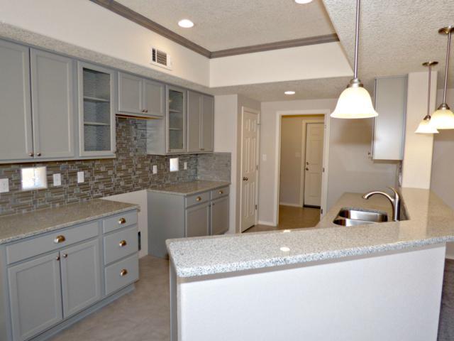 6521 Ancients Road NW, Albuquerque, NM 87114 (MLS #937354) :: Silesha & Company