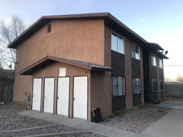 241 Charleston Street NE, Albuquerque, NM 87108 (MLS #937899) :: Campbell & Campbell Real Estate Services