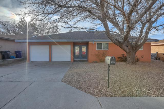 2501 Hiawatha Drive NE, Albuquerque, NM 87112 (MLS #937916) :: Your Casa Team