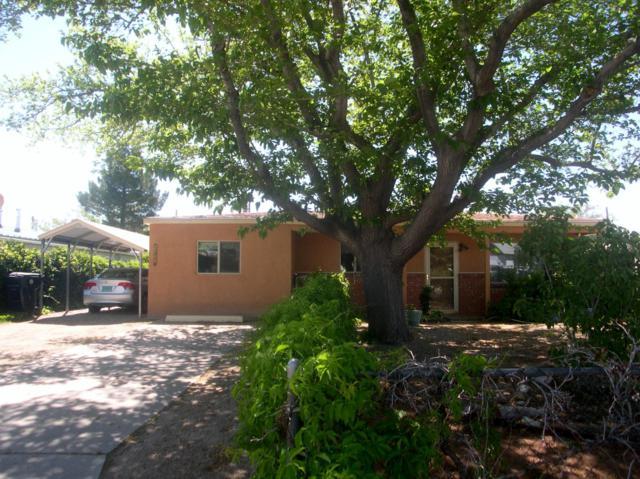 2709 Morris Street NE, Albuquerque, NM 87112 (MLS #938106) :: The Bigelow Team / Red Fox Realty