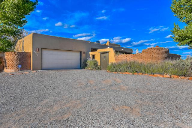 1079 Sagebrush Drive, Corrales, NM 87048 (MLS #938465) :: Campbell & Campbell Real Estate Services