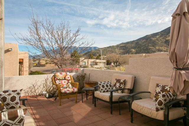 2207 Courtyard Drive NE, Albuquerque, NM 87112 (MLS #938493) :: Campbell & Campbell Real Estate Services