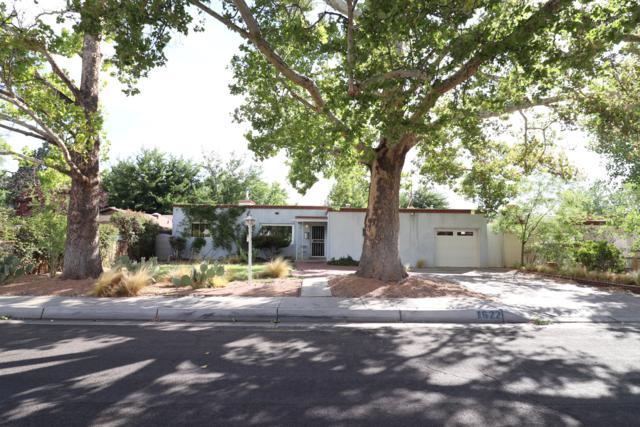 1622 San Patricio Avenue SW, Albuquerque, NM 87104 (MLS #938545) :: Silesha & Company
