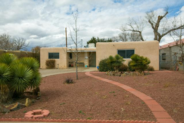 10617 Snow Heights Boulevard NE, Albuquerque, NM 87112 (MLS #938650) :: Campbell & Campbell Real Estate Services