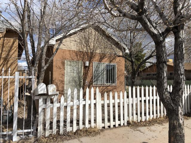 437 Pacific Avenue SW, Albuquerque, NM 87102 (MLS #938749) :: Campbell & Campbell Real Estate Services