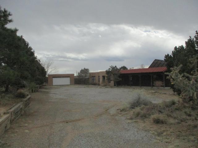 12500 Elena Drive NE, Albuquerque, NM 87122 (MLS #938752) :: Campbell & Campbell Real Estate Services