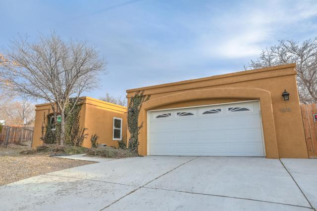 1808 La Cabra Drive SE, Albuquerque, NM 87123 (MLS #939163) :: The Bigelow Team / Realty One of New Mexico