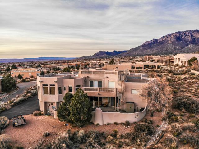 4900 Cresta Del Sur Court NE, Albuquerque, NM 87111 (MLS #939430) :: The Bigelow Team / Realty One of New Mexico